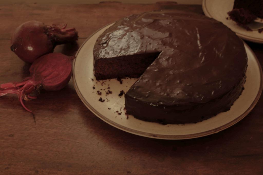 Gluten-Free Chocolate Beetroot Cake / www.quichentell.com