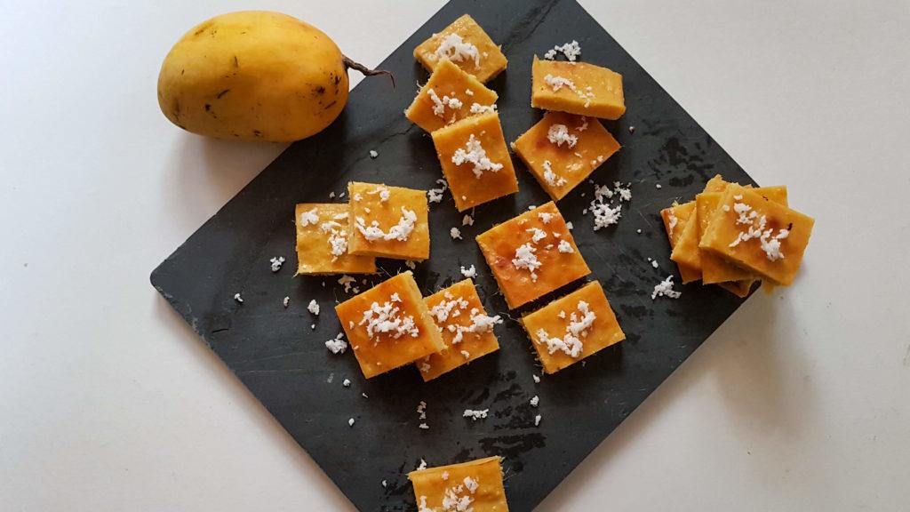 Millet Mango Coconut Blondies / www.quichentell.com