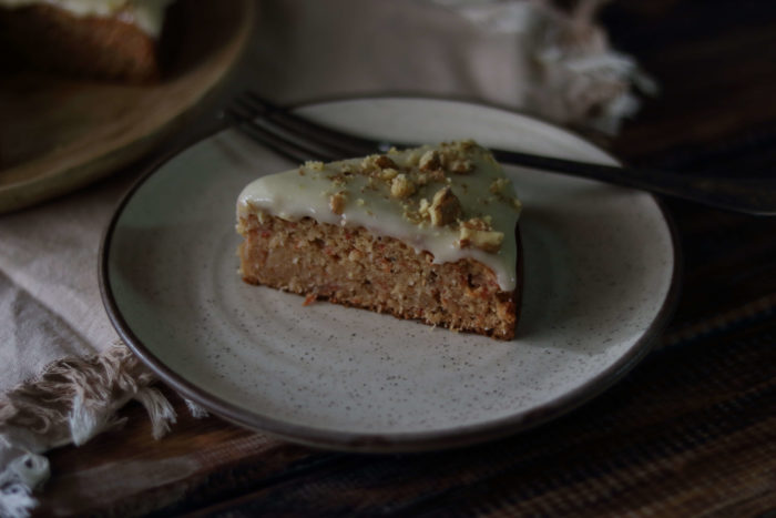 Whole Wheat Carrot And Coconut Cake / www.quichentell.com