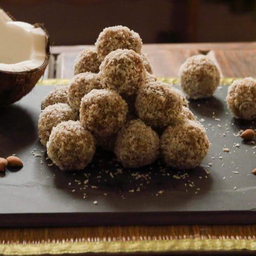 Coconut Laddu / www.quichentell.com